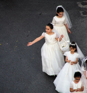 Communion Dresses - How to Select One