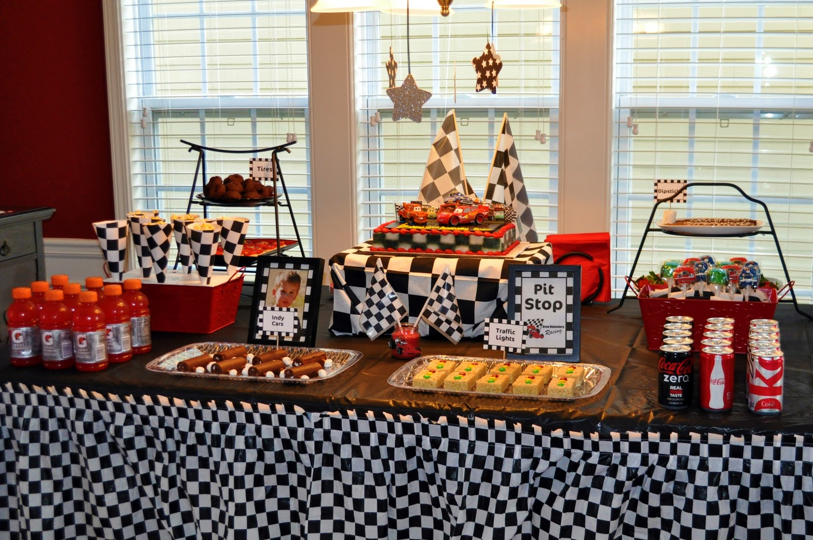 Race car birthday party - Th party theme ideas ...