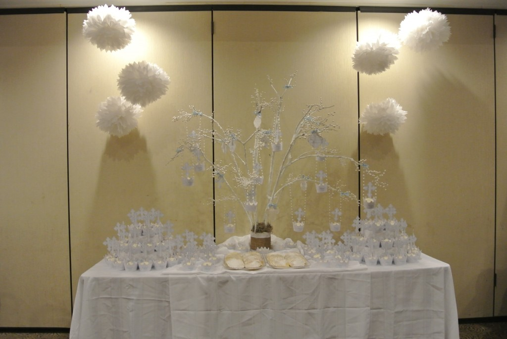 The gallery for christening decorations boy for Baby dedication decoration ideas