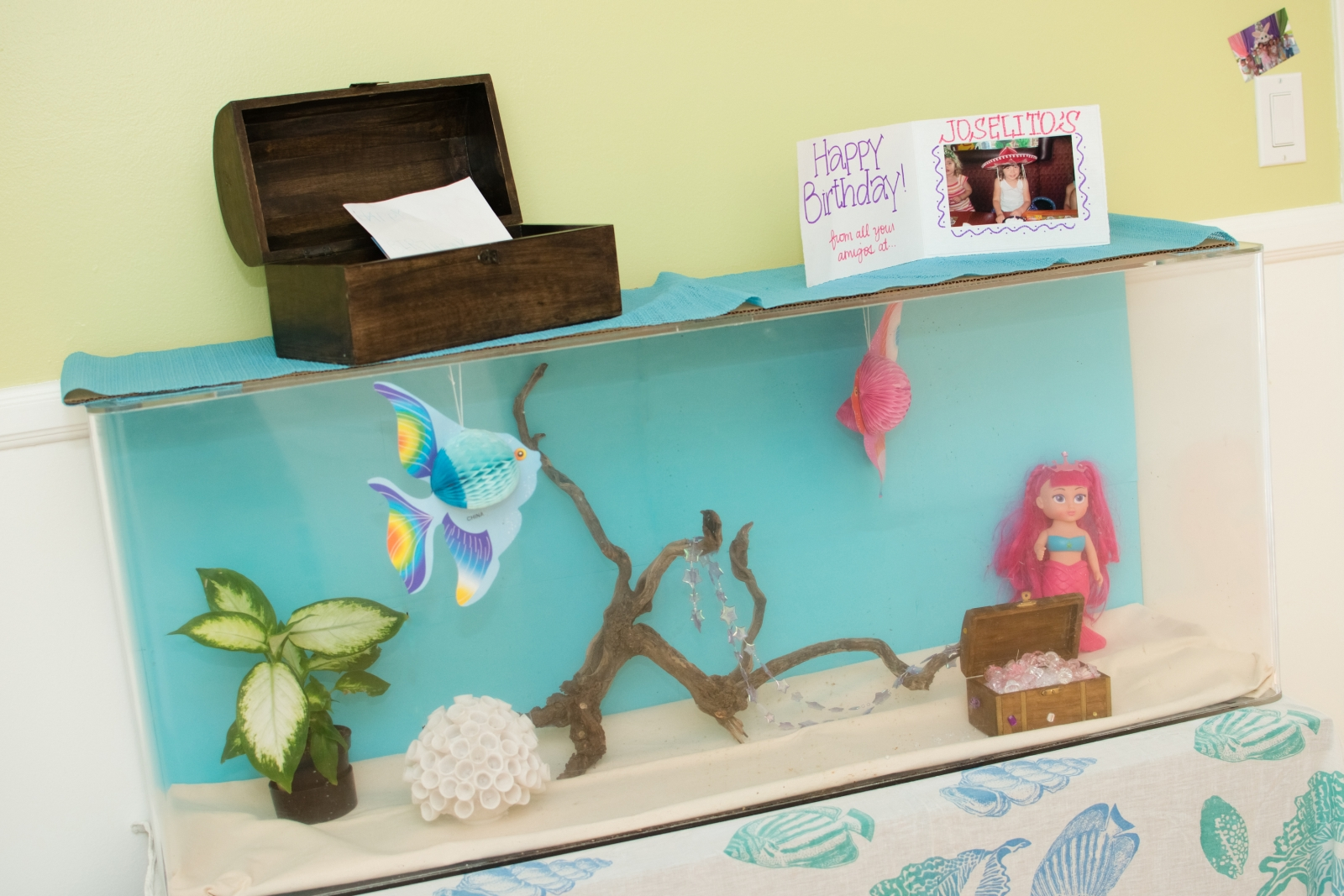 Under the sea decorations ideas mermaid party for Homemade decorations