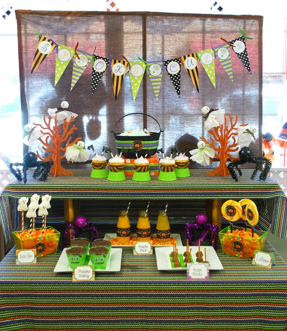 Halloween party decorations and food ideas images for Halloween party favor ideas