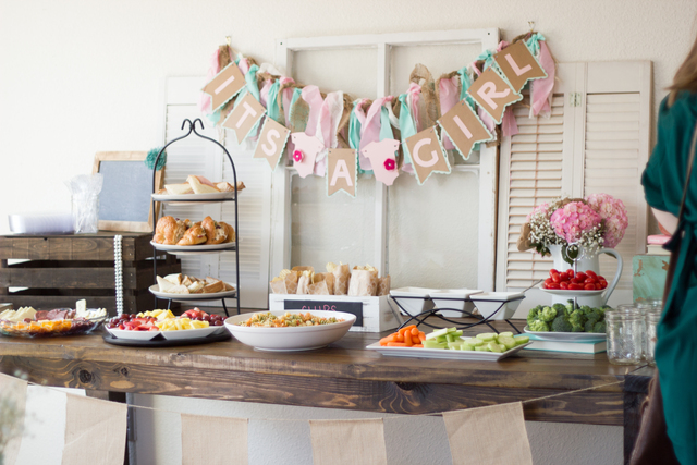 Shabby chic baby shower vintage theme ideas - Idee deco baby shower ...