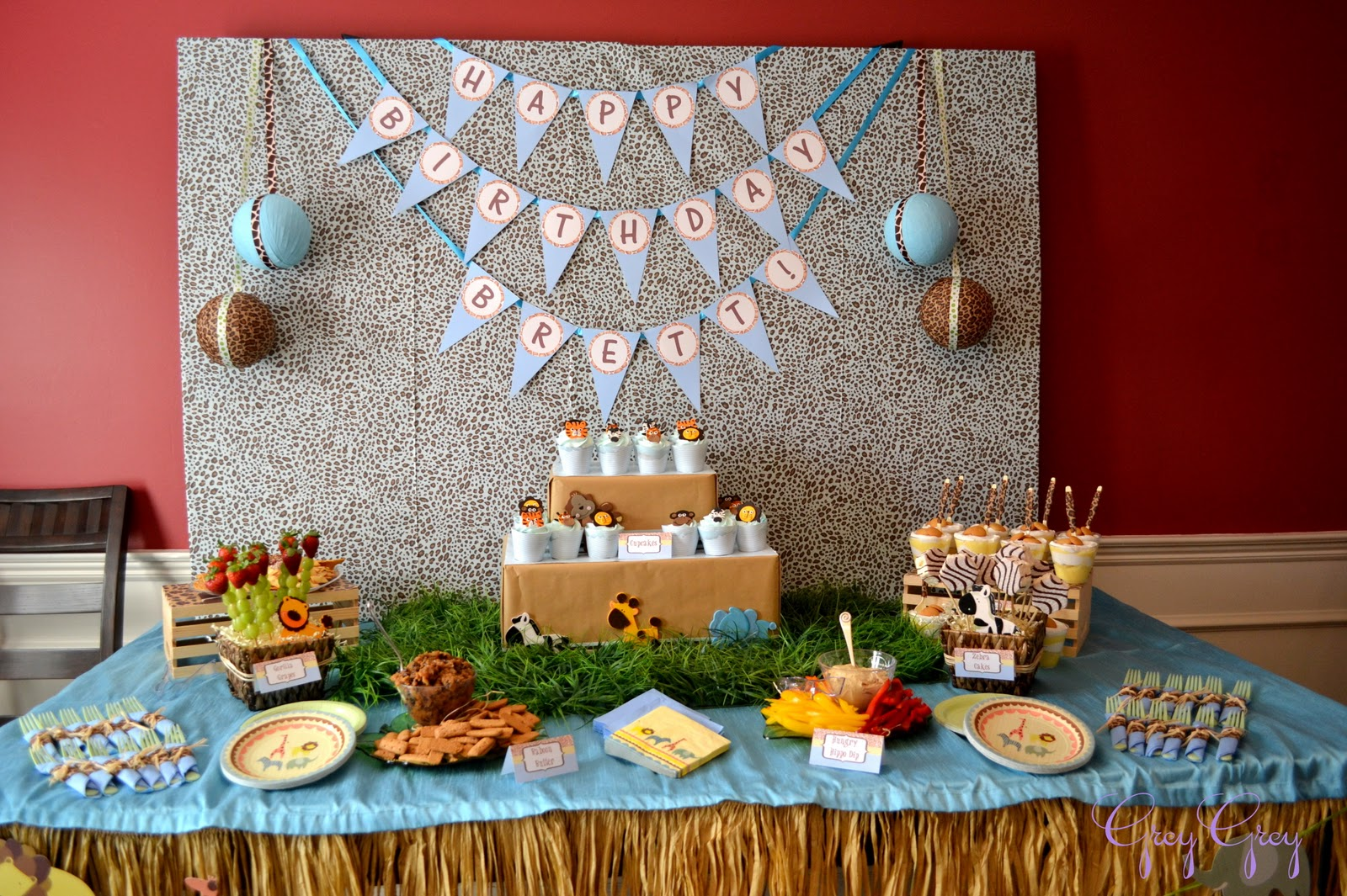 Jungle safari birthday party for 1st birthday decoration themes