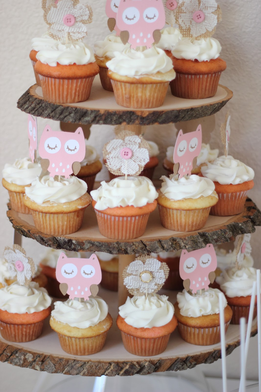 What A Beautiful Arrangement Of Cupcakes. Baby Owls In Pink And Tan, As  Well As Burlap And Lace Flowers With Pink Buttons Make Interesting Cupcake  Toppers.
